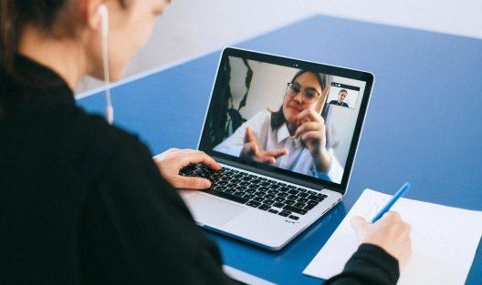 Terapia psychologiczna online w pytaniach i odpowiedziach