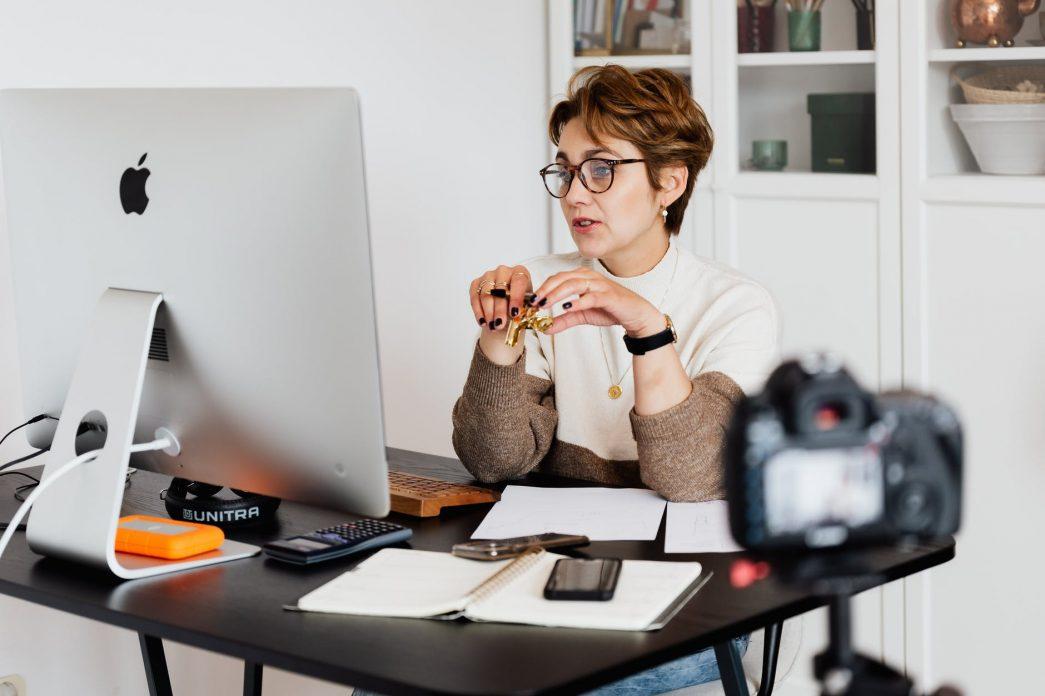 Pierwsza konsultacja psychologiczna online — czego się spodziewać i jak się przygotować